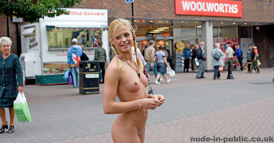 girls walking nude in public