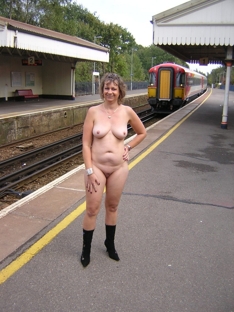 Hot uk naked women can